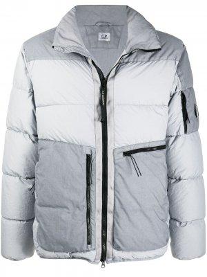 Lens embellished down jacket C.P. Company. Цвет: серый