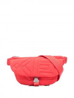 Дутая поясная сумка Kenzo. Цвет: красный