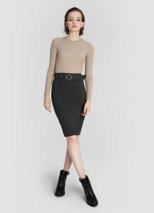 Трикотажная юбка миди с ремнём O`Stin. Цвет: графитовый