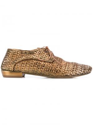 Оксфорды плетеного дизайна Marsèll. Цвет: золотистый