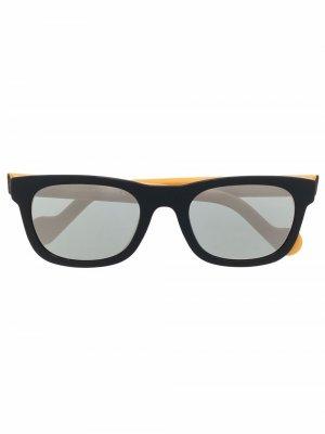 Солнцезащитные очки в квадратной оправе Moncler Eyewear. Цвет: черный