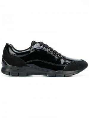 Varnished lace-up sneakers Geox. Цвет: черный