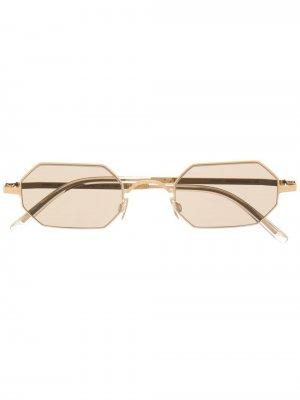 Затемненные солнцезащитные очки Mykita. Цвет: золотистый