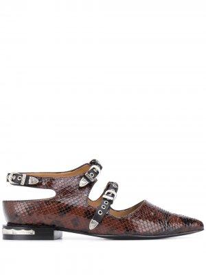 Туфли с тиснением под змеиную кожу Toga Pulla. Цвет: коричневый