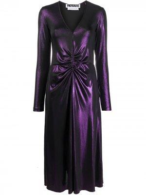 Присборенное платье макси с эффектом металлик ROTATE. Цвет: фиолетовый