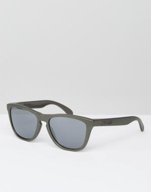 Солнцезащитные очки в квадратной оправе Oakley. Цвет: черный
