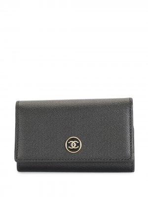 Футляр для ключей 2007-го года с логотипом CC Chanel Pre-Owned. Цвет: черный