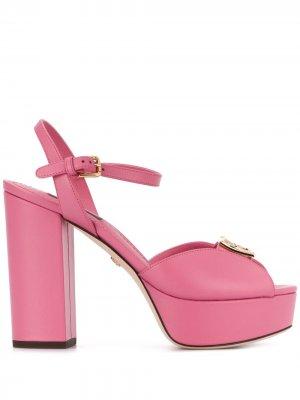 Босоножки на платформе с логотипом Dolce & Gabbana. Цвет: розовый