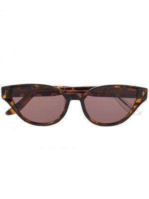 Солнцезащитные очки Sfitinzia в оправе кошачий глаз Snob. Цвет: коричневый