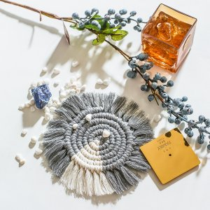 1шт Коврик для столовых приборов плетеный с бахромой SHEIN. Цвет: многоцветный