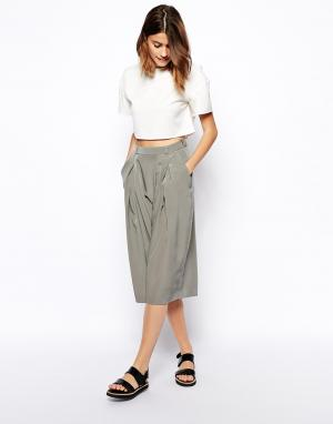 Mid Length Short with Wrap Pleat Front ASOS. Цвет: оливковый