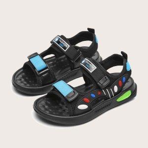 Спортивные сандалии с текстовой заплатой на липучке для мальчиков SHEIN. Цвет: чёрный