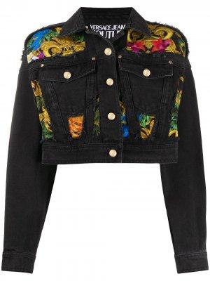 Джинсовая куртка с принтом Baroque Versace Jeans Couture. Цвет: черный