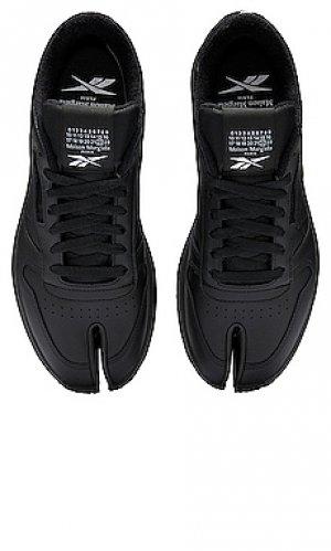 Кроссовки classic leather tabi MAISON MARGIELA x REEBOK. Цвет: черный