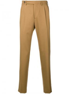 Классические зауженные к низу брюки Berwich. Цвет: бежевый