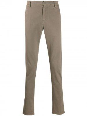 Классические брюки чинос Dondup. Цвет: серый