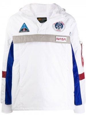 Анорак с логотипом NASA Alpha Industries. Цвет: белый