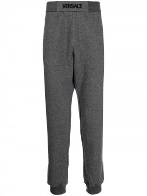 Спортивные брюки с логотипом Versace. Цвет: серый