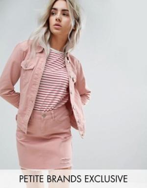 Розовая джинсовая куртка с потертой отделкой Urban Bliss Petite. Цвет: розовый