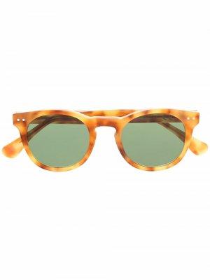 Солнцезащитные очки с затемненными линзами Epos. Цвет: желтый