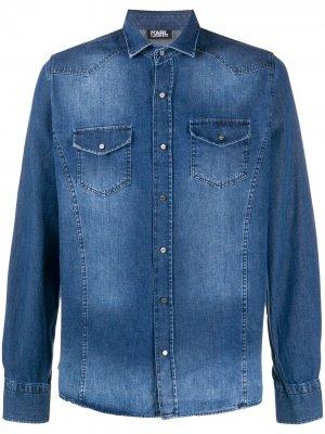 Джинсовая рубашка с эффектом потертости Karl Lagerfeld. Цвет: синий