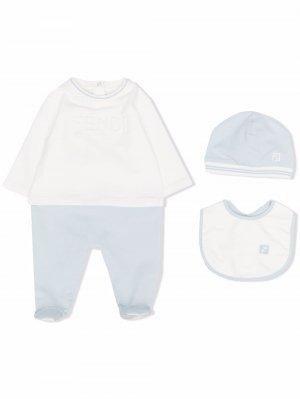 Комплект из пижамы и шапки с нагрудником Fendi Kids. Цвет: белый