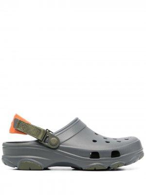 Кроксы в двух тонах Crocs. Цвет: серый