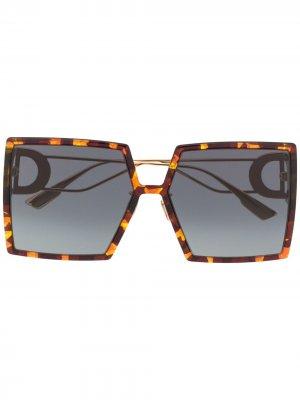 Солнцезащитные очки 30 Montaigne в квадратной оправе Dior Eyewear. Цвет: коричневый
