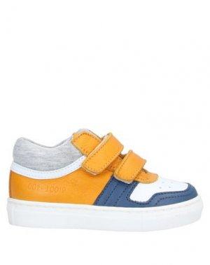 Низкие кеды и кроссовки JARRETT. Цвет: охра