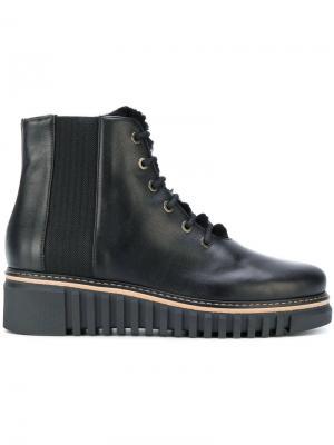 Ботинки на платформе шнуровке Loriblu. Цвет: черный