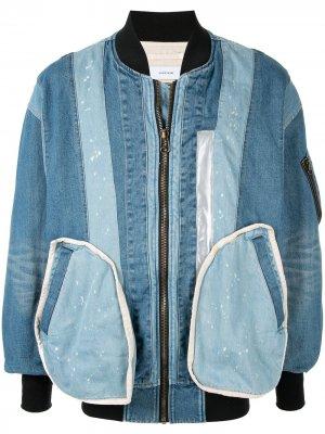Джинсовая куртка-бомбер в технике пэчворк Facetasm. Цвет: синий