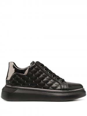 Стеганые кроссовки Baldinini. Цвет: черный