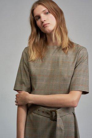 Платье в клетку с коротким рукавом VASSA&Co. Цвет: серый