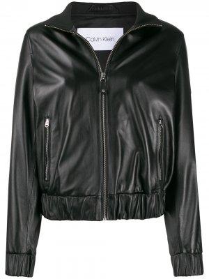 Укороченная куртка с высоким воротником Calvin Klein. Цвет: черный