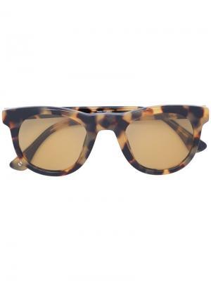 Солнцезащитные очки в квадратной оправе с черепаховым эффектом Linda Farrow. Цвет: коричневый