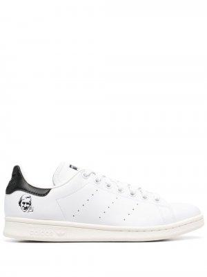 Кроссовки Stan Smith adidas. Цвет: белый