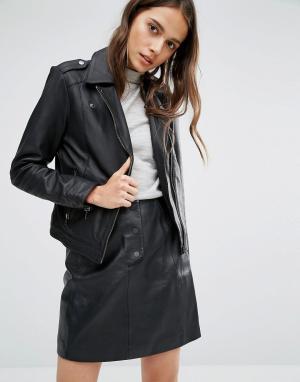 Кожаная байкерская куртка Selected. Цвет: черный