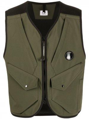 Жилет на молнии с накладными карманами C.P. Company. Цвет: зеленый