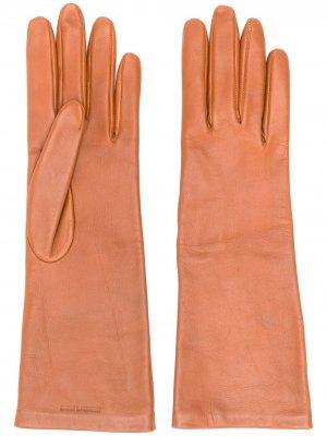 Перчатки с тисненым логотипом Saint Laurent. Цвет: коричневый