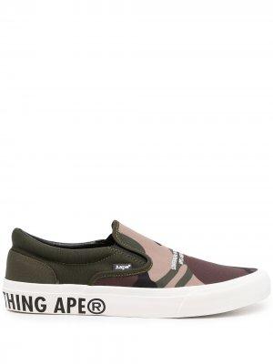 Logo-print slip-on sneakers AAPE BY *A BATHING APE®. Цвет: зеленый