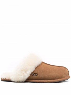 Слиперы Scuffette UGG. Цвет: коричневый