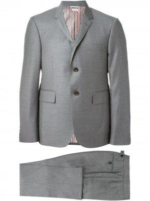 Классический костюм Thom Browne. Цвет: серый
