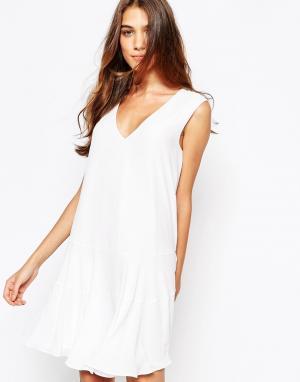 Платье-майка BCBGMAXAZRIA BCBG MaxAzria. Цвет: белый