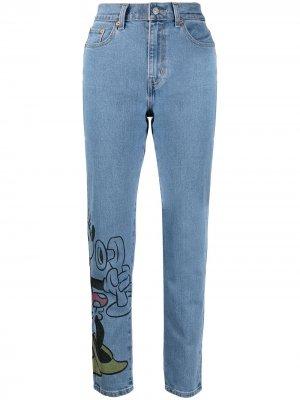 Levis джинсы бойфренды из коллаборации с Disney Levi's. Цвет: синий
