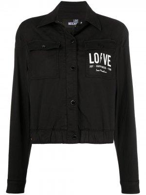 Укороченная джинсовая куртка с логотипом Love Moschino. Цвет: черный