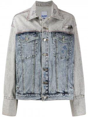 Джинсовая куртка с эффектом потертости SJYP. Цвет: синий