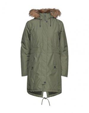 Пальто HELLY HANSEN. Цвет: светло-зеленый