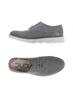 Низкие кеды и кроссовки DUDE. Цвет: серый