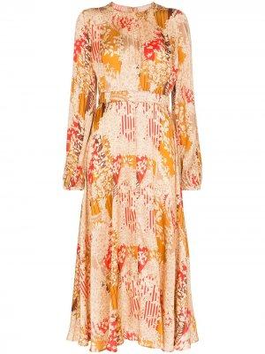 Платье миди со складками и цветочным принтом byTiMo. Цвет: красный