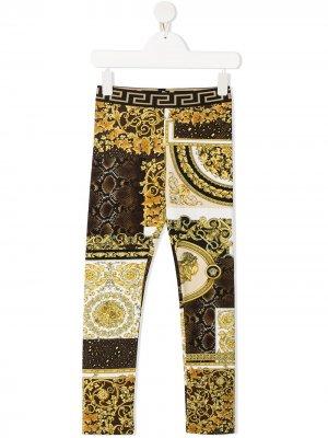 Брюки с принтом Barocco Young Versace. Цвет: 5n030 oro/ marrone/ bianco